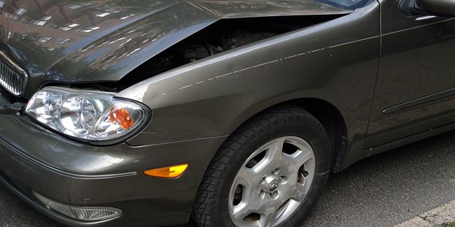 Assurance auto au tiers ou assurance tous risques : avantages, inconvénients