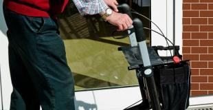 Pourquoi souscrire une mutuelle santé en maison de retraite ?
