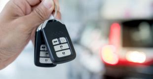 Peut-on assurer une voiture avec une carte grise barrée ?
