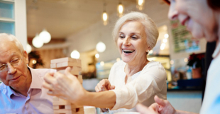 Mutuelle senior pas chère : trucs et astuces pour la trouver